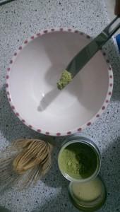 Matcha Tee zubereiten erster Schritt
