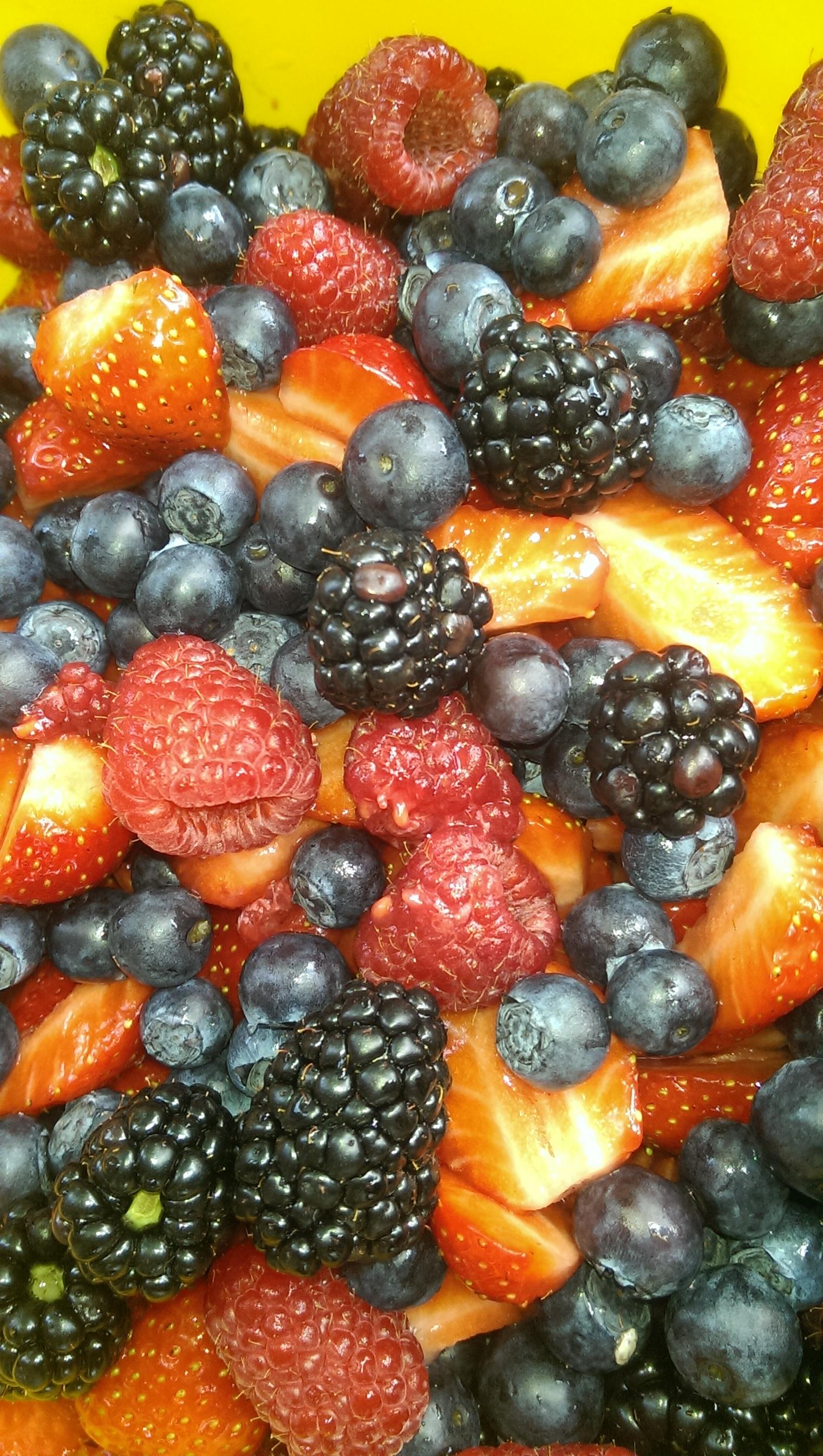 Erdbeeren, Himbeeren, Blaubeeeren, Brombeeren